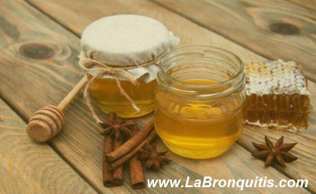canela y miel cruda para la bronquitis